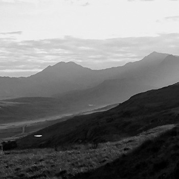 Snowdon Horseshoe in black and white